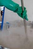 酿酒者的煮沸的大桶 图库摄影