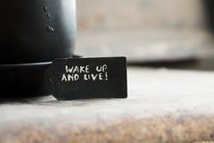 醒并且居住和一杯咖啡 免版税库存图片