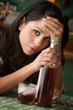 醺酒的拉提纳妇女 库存照片