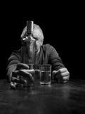 醺酒的老人画象  库存照片