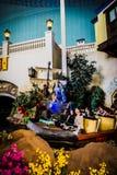 采取在Sinbad - Lotte世界冒险冒险的倾没  库存图片