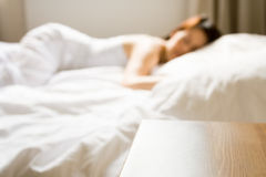 采取妇女的休息 免版税图库摄影
