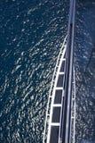 采取巡航和俯视海洋 图库摄影