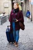 采取旅途的女孩 图库摄影