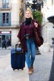 采取旅途的女孩 免版税图库摄影