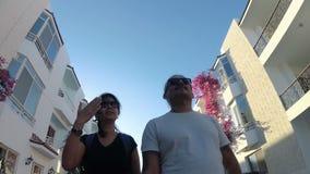 采取selfie录影的浪漫夫妇 影视素材