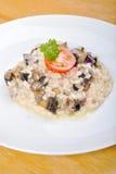 采蘑菇意大利煨饭 库存图片
