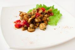 采蘑菇意大利辣味香肠 免版税库存照片