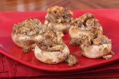 采蘑菇被充塞的香肠 免版税库存照片