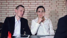 采访的概念与候选人的和两采访者 股票录像