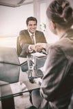 采访的经理的纵向一个女性申请人 图库摄影