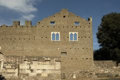 采齐利亚Metella坟茔古老废墟  库存照片