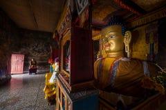 释伽牟尼菩萨雕象在Shey修道院里 免版税库存照片