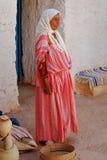 巴巴里人妇女在家, Matmata,突尼斯 免版税库存图片