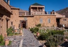 巴巴里人旅馆在阿特拉斯山脉,摩洛哥 免版税图库摄影