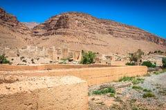 巴巴里人村庄在沙漠摩洛哥 库存照片