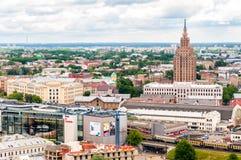 里加全景,有拉脱维亚科学院的 免版税库存照片