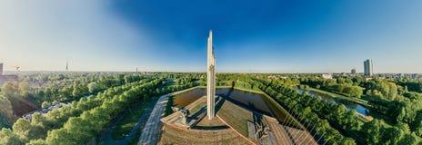 里加对救星的市纪念碑第二次世界大战寄生虫360 vr视图 库存照片