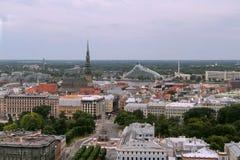 里加老镇都市风景从上面 库存照片