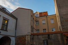 里加,拉脱维亚:大会的围场是其中一个里加最旧的街区  美丽的历史建筑在老镇 免版税图库摄影