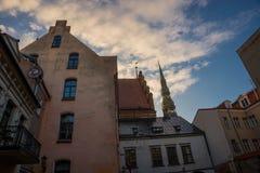 里加,拉脱维亚:美丽的历史建筑在老镇 免版税库存照片