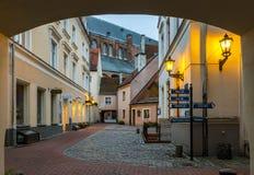 里加,拉脱维亚- 2016年10月19日:中世纪大厦在老欧洲城市 免版税图库摄影
