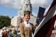 里加,拉脱维亚- 7月07 :全国服装的人们在Latvi 库存图片