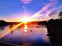 里士满日落的弗吉尼亚詹姆斯河 库存图片