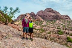 里奇的两个远足者 免版税库存照片