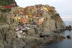 里奥马焦雷五颜六色的意大利村庄  免版税库存图片