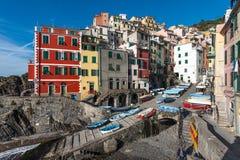 里奥马焦雷镇建筑学的看法  里奥马焦雷是其中一个最普遍的镇在五乡地国家公园,意大利 免版税库存图片