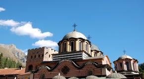 从里拉修道院,保加利亚的屋顶建筑 图库摄影