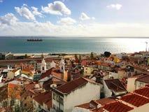 里斯本天线,鸟景色 里斯本,葡萄牙全景地平线 免版税库存照片