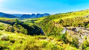 里斯本秋天看法和里斯本河谷在全景路线的Graskop附近 免版税库存图片