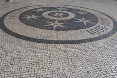 里斯本葡萄牙摘要瓦片路面样式作为背景 免版税库存照片