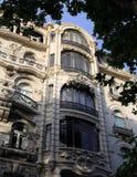 里斯本葡萄牙 在Avenida da Liberdade的一个华丽艺术nouveau大厦门面 库存照片