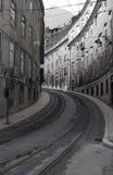 里斯本街道跟踪电车轨道 图库摄影