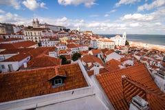 里斯本,葡萄牙在Alfama的镇地平线 库存照片