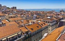 里斯本,葡萄牙地平线鸟瞰图  免版税库存图片