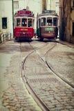 里斯本,葡萄牙, 2015 04 24辆-两辆老传统游览电车 免版税库存照片