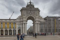 里斯本,葡萄牙- 2018年6月10日:凯旋式Rua奥古斯塔曲拱 免版税库存图片