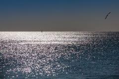 里斯本,葡萄牙- 2011年2月01日:Sesimbra海滩在塞图巴尔 免版税库存图片