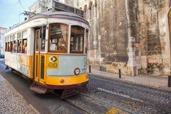 里斯本,葡萄牙- 9月14 2017年 在cit的葡萄酒电车 库存照片