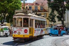 里斯本,葡萄牙- 2017年5月19日:没有著名老的电车 28和 免版税库存图片