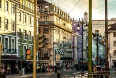 里斯本,葡萄牙- Septmember 19日2016年:街道场面在Praca da Figueira的市中心 免版税库存照片