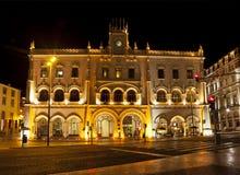里斯本, Rossio火车站在晚上 免版税库存图片