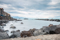 里波斯托西西里岛爱奥尼亚人海岸 图库摄影