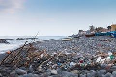 里波斯托西西里岛爱奥尼亚人海岸 免版税库存图片