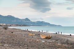 里波斯托西西里岛爱奥尼亚人海岸 库存照片