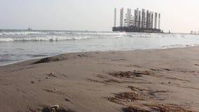 里海的油田 影视素材